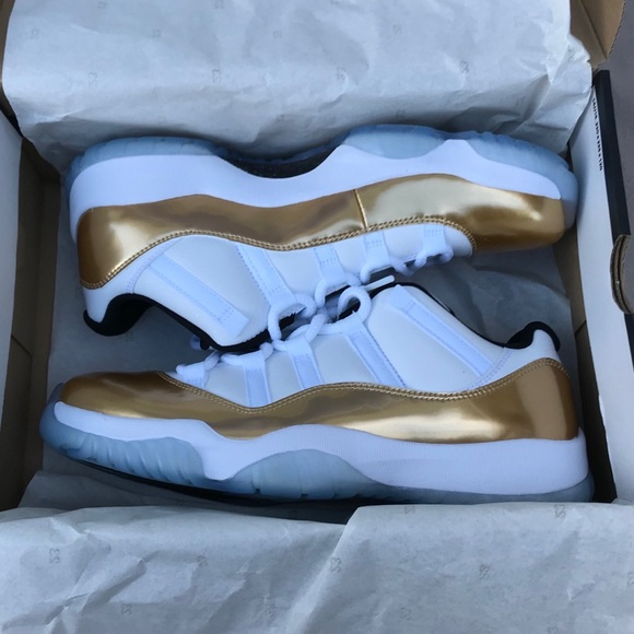 46c4110eaa25 Jordan 11 Low Gold
